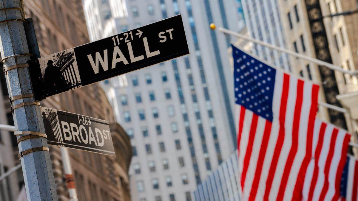 Wallstreet Rallies on Investor Optimism on Apple, Amazon & Twitter