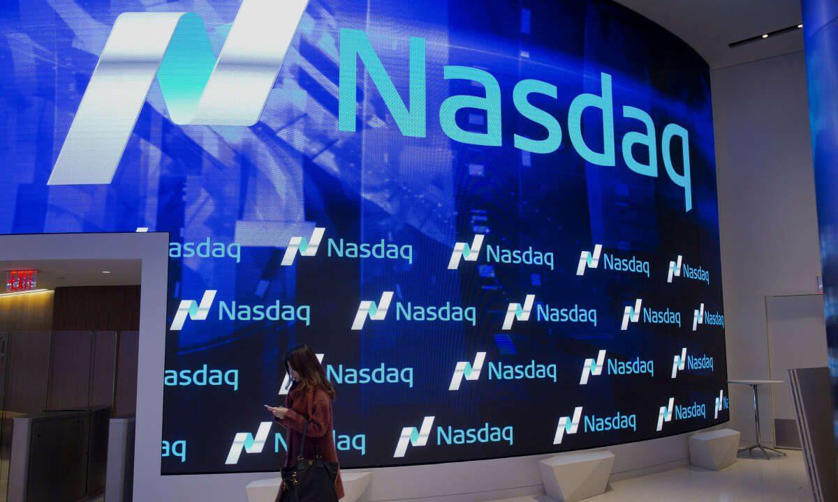 Tech Lifts Nasdaq to Record Close but Wall Street Mixed on Jobs Report