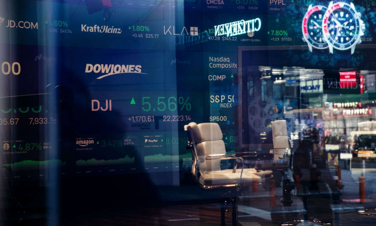 Nasdaq Closes At All-time High as Strong Tech Sector Offsets Unemployment Data
