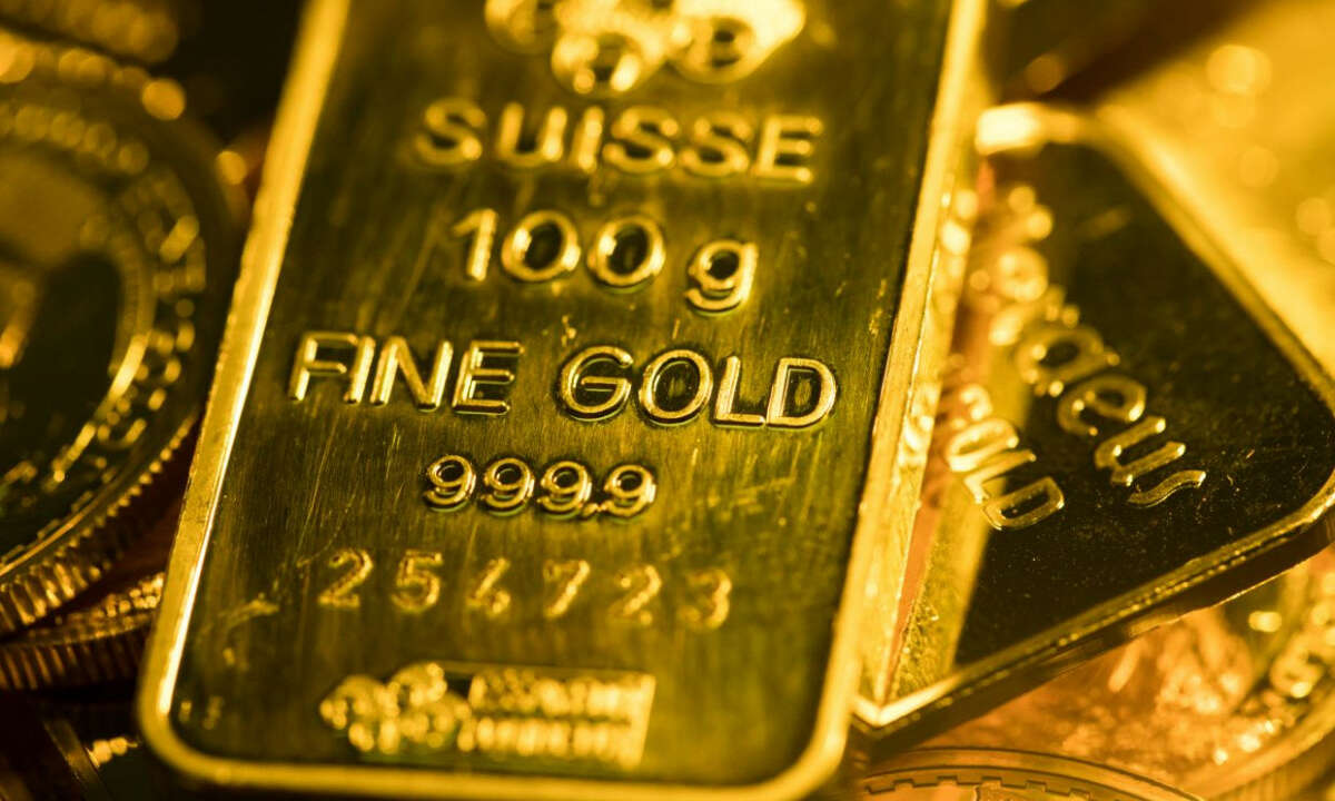 Gold Steady at 4 Month High Supported by Dropping Treasury Yields