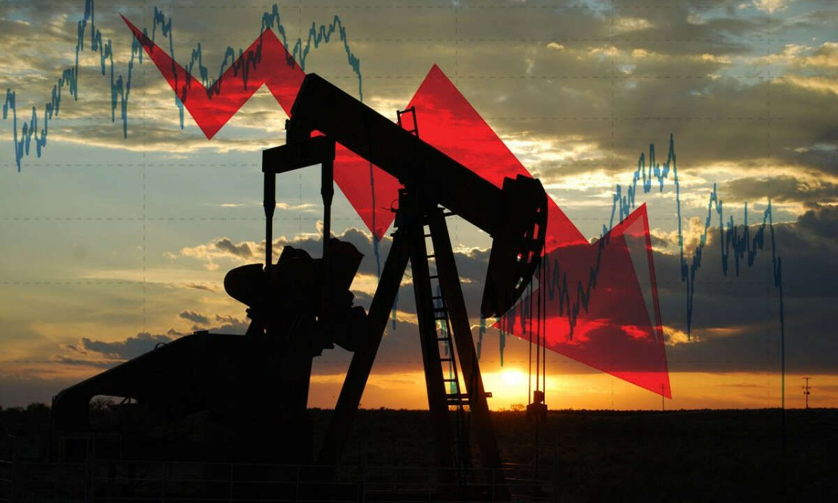 Oil Prices Edge Lower, as U.S. Storm-Hit Supply Makes Slow Return