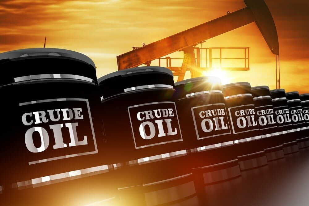 Oil Prices Edge Higher on Tight Supply Outlook