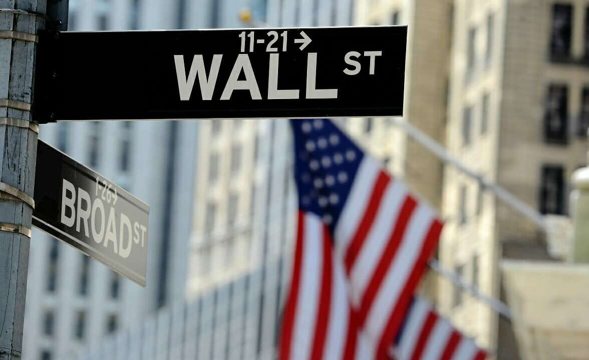 Wall Street Reverses Losses; S&P 500 Gains on Tech Rally